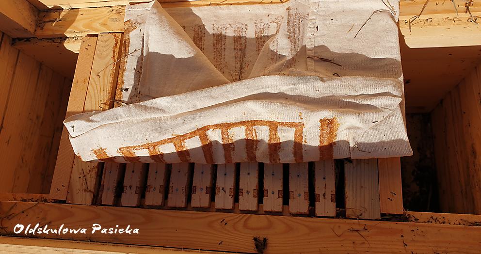 W Oldskulowej Pasiece mamy powałki z płótna z surowej bawełny.